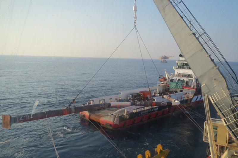 DSV Mermaid Commander Lifting Spool from Supply Boat for Installatio