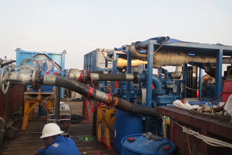 Pipeline Pigging Operation from DSV Mermaid Commander