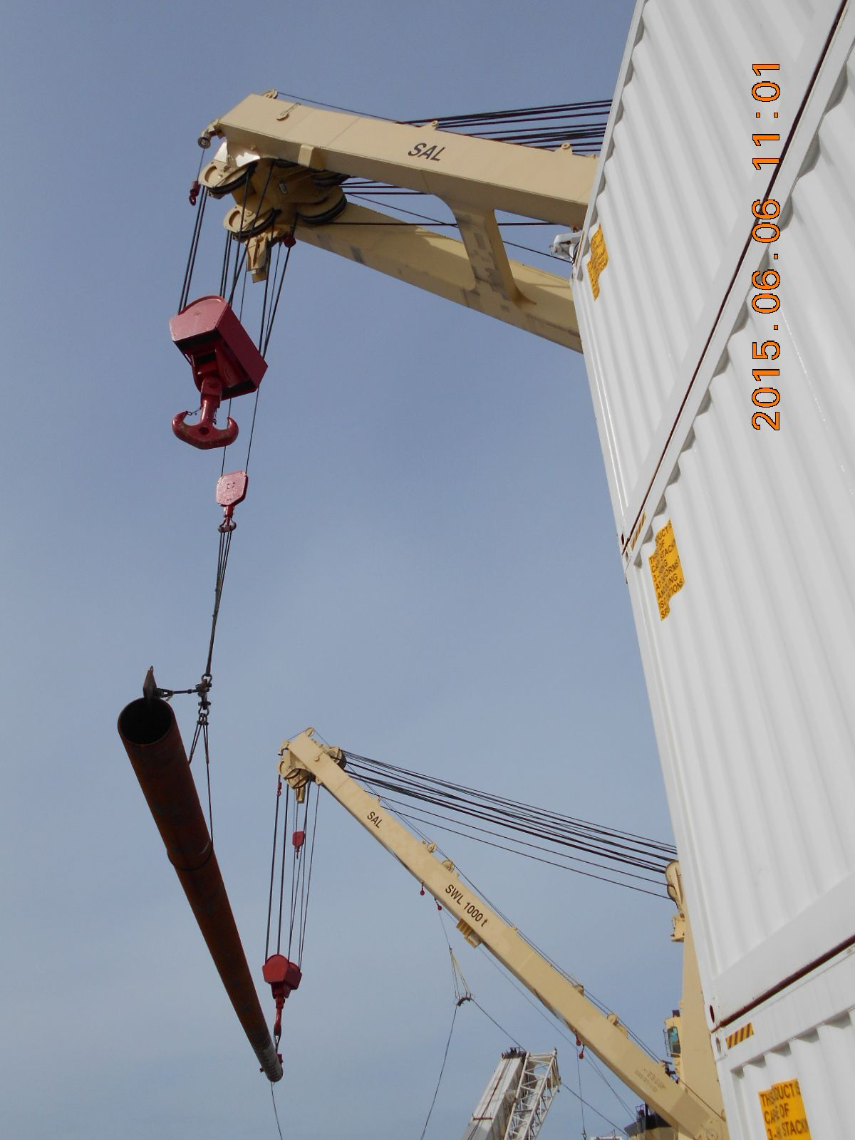 04_pile-tandem-lift-upend