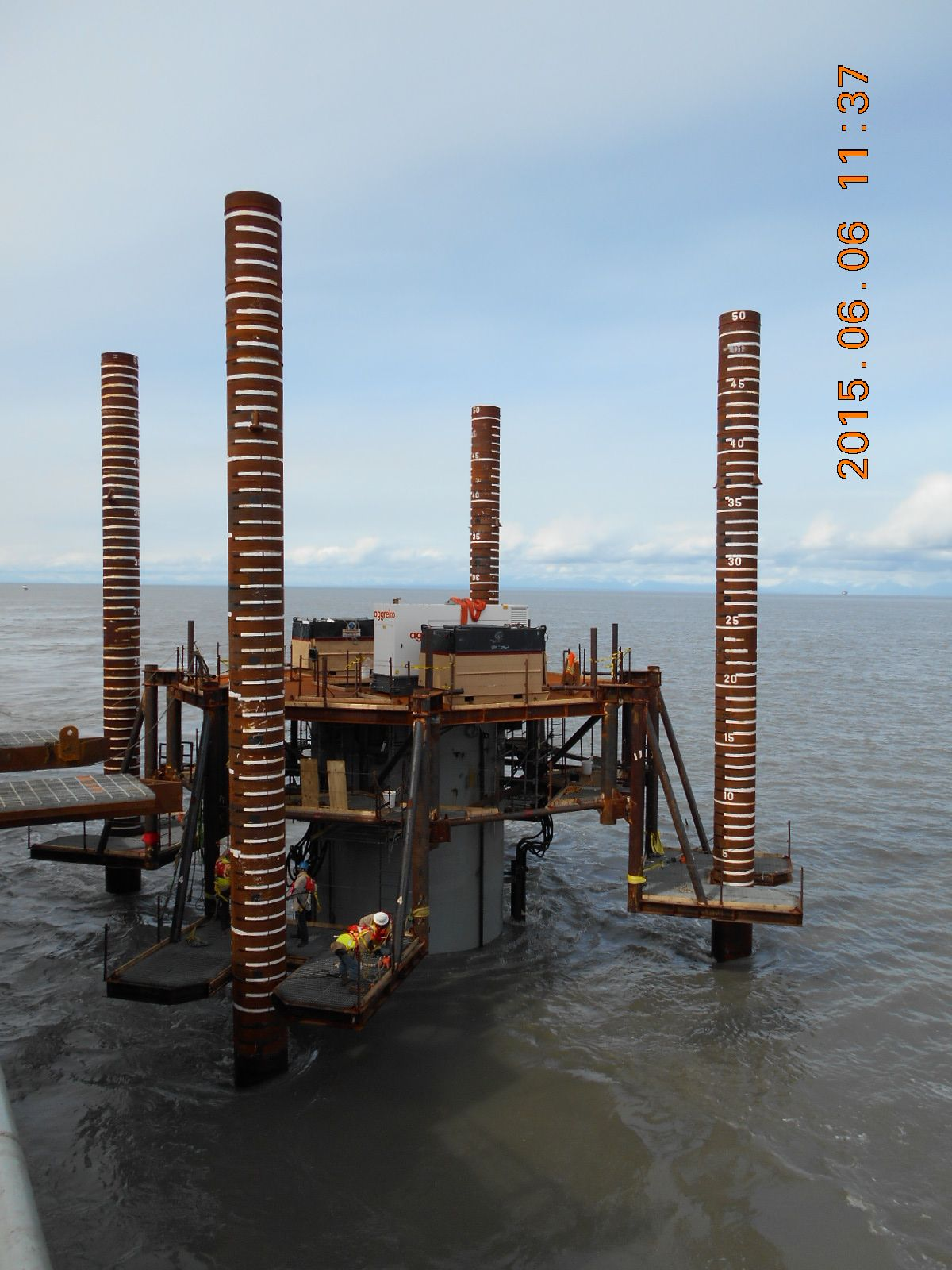 04_piling-works-with-driving-platform-01