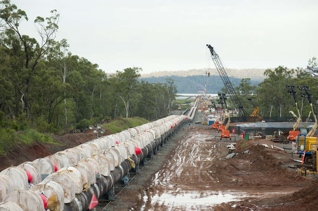 more-than-1000-buoyancy-floats-are-attached-the-pipelines
